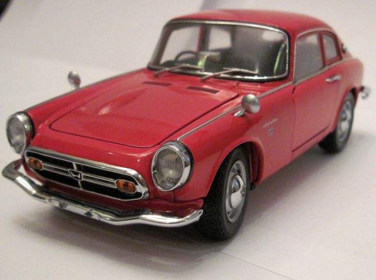 Honda S800 coupé red